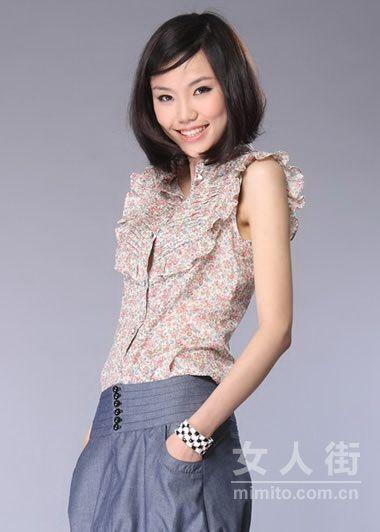 轻薄衬衫+短裤 俏皮又显瘦